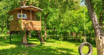 Mit kleinen und großen Holzprodukten den Garten verschönern