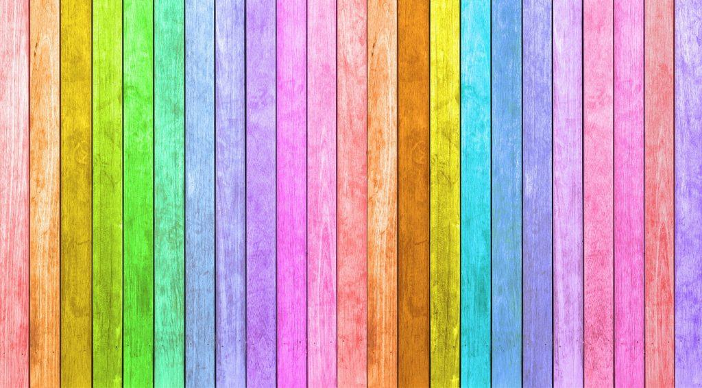 Ein Zaun in kunterbunt in kräftigen Farben ist zu heftig? Wie wäre es mit Pastell? Es müssen ja keine 8 oder gar 10 verschiedene Farbtöne sein. (#10)