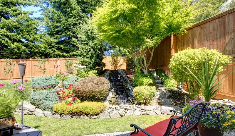 Ein kleiner Garten ist bei den aktuellen Preisen für Grundstücke, nichts Außergewöhnliches. Das neue Haus steht damit oft auf einem kleinen Grundstück, für den Garten bleibt da freilich meist auch nur wenig Platz. (#02)