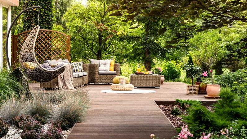 Wenn Sie eine Sitzecke im Garten einrichten, befinden sich dort wahrscheinlich bereits viele Pflanzen. Geht es jedoch an die Gartengestaltung für Kinder und Erwachsene, so brauchen Sie neue Pflanzen, die das Dschungelfeeling aufleben lassen. (#03)